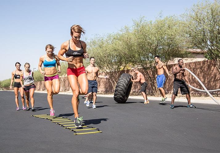 20 Formas de Mantenerte Motivado durante el 2016: Únete a un grupo de fitness