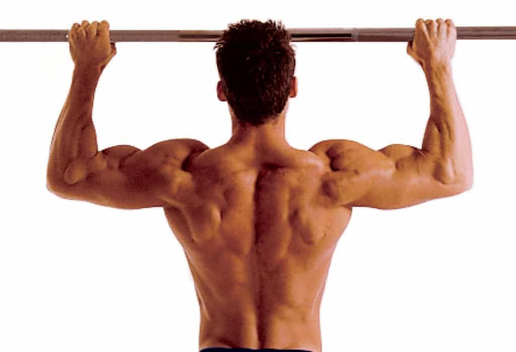 Movimientos para mejorar la fuerza corporal: pull up