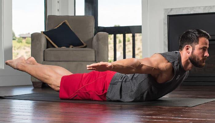 Razones por las cuales los hombres deberían hacer yoga