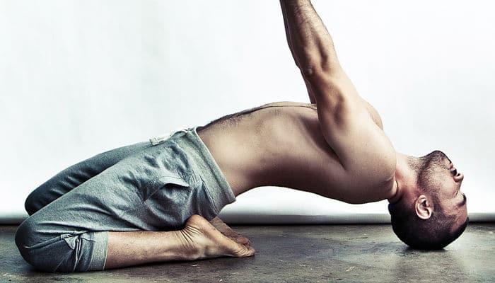 6 Razones para que los hombres deberían hacer yoga