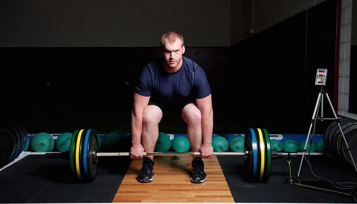8 Razones por la cual levantar pesas te hace mejor en absolutamente todo
