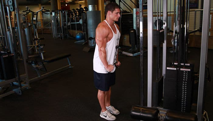 El entrenamiento extremo para hombros y tríceps