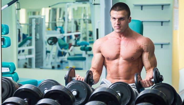 Pesas o cardio para aumentar los músculos.