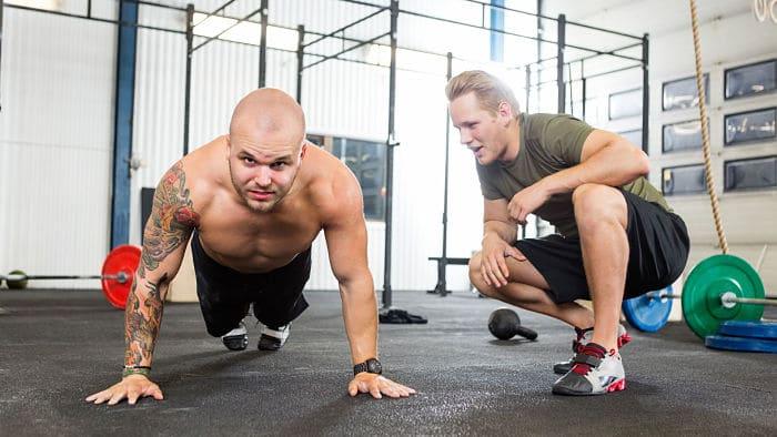 flexiones de pecho para aumentar resistencia