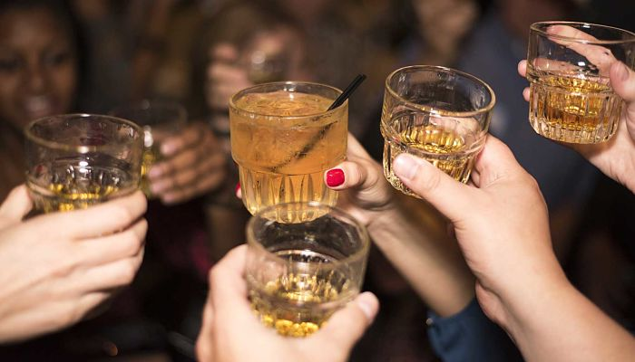 ¿Beber Alcohol Cuando Se Desea Esculpir El Cuerpo?