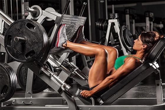 razones para que las mujeres levanten pesas