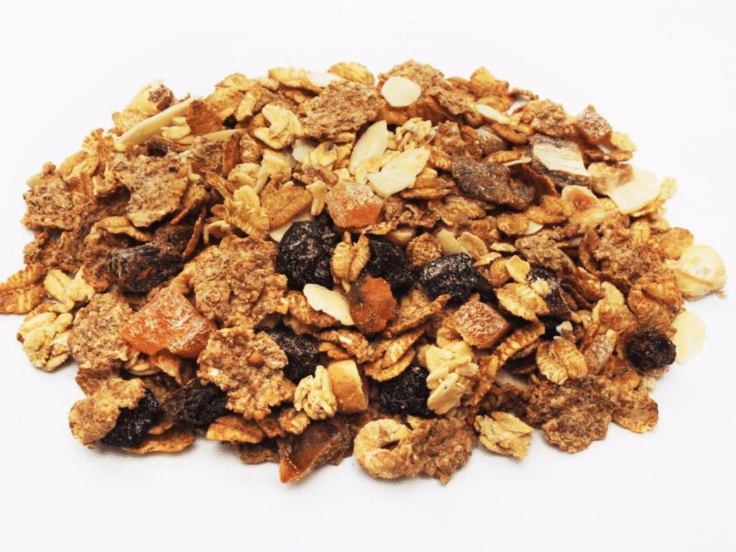 cereal integral, granola y pasas
