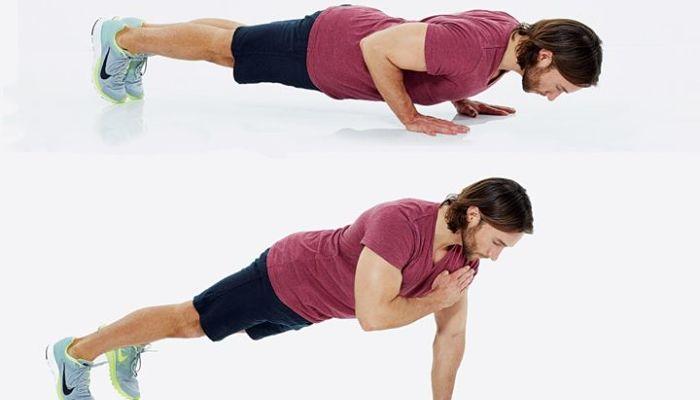 ejercicios de alta intensidad flexiones tocando el hombro
