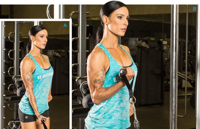 ejercitar bíceps con máquinas